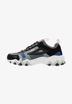 TRAIL - Sneakers - castlerock