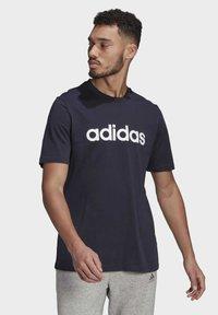 adidas Performance - T-shirt med print - legend ink - 0