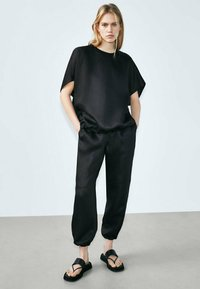 Massimo Dutti - Tracksuit bottoms - black - 2