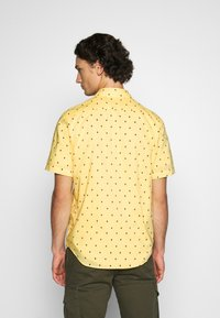 Levi's® - SUNSET STANDARD - Camicia - yellow - 2