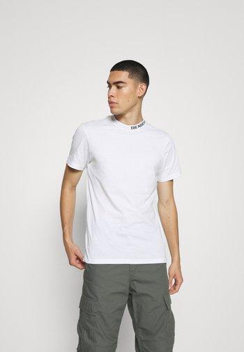 ZUMU TEE - T-shirt - bas - white