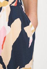 Lindex - JILL - Shorts - dark beige - 5