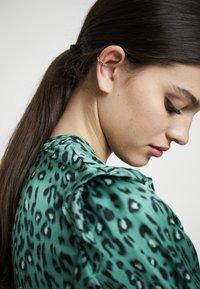 Orelia - OMBRE SINGLE EAR CUFF - Náušnice - pale gold-coloured - 1