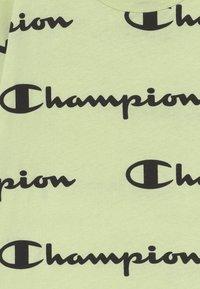 Champion - LEGACY AMERICAN CLASSICS CREWNECK - Print T-shirt - mint - 3