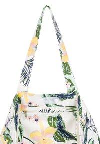 Roxy - Tote bag - bright white praslin - 3