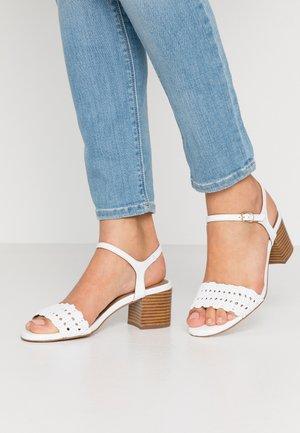 Sandals - stella bianco