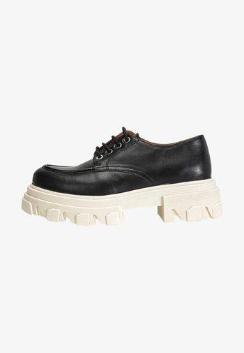 Chaussures à lacets - black/white blk/wht