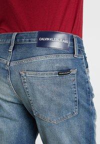 Calvin Klein Jeans - SLIM - Džínové kraťasy - denim - 5