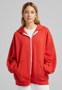 Bershka - OVERSIZE - Sweater met rits - red - 0