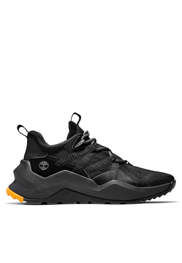 Madbury Oxford - Sznurowane obuwie sportowe - black mesh w black