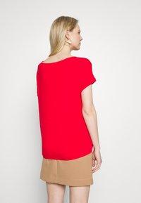 s.Oliver - T-shirt z nadrukiem - red - 2