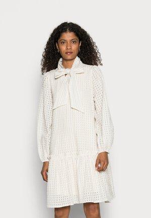 NILA DRESS - Skjortekjole - antique white