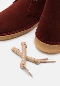 Clarks Originals - DESERT BOOT - Stringate sportive - rust brown - 5