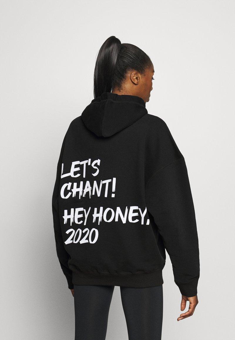 Hey Honey - HOODIE CHANT BLACK - Bluza z kapturem - black