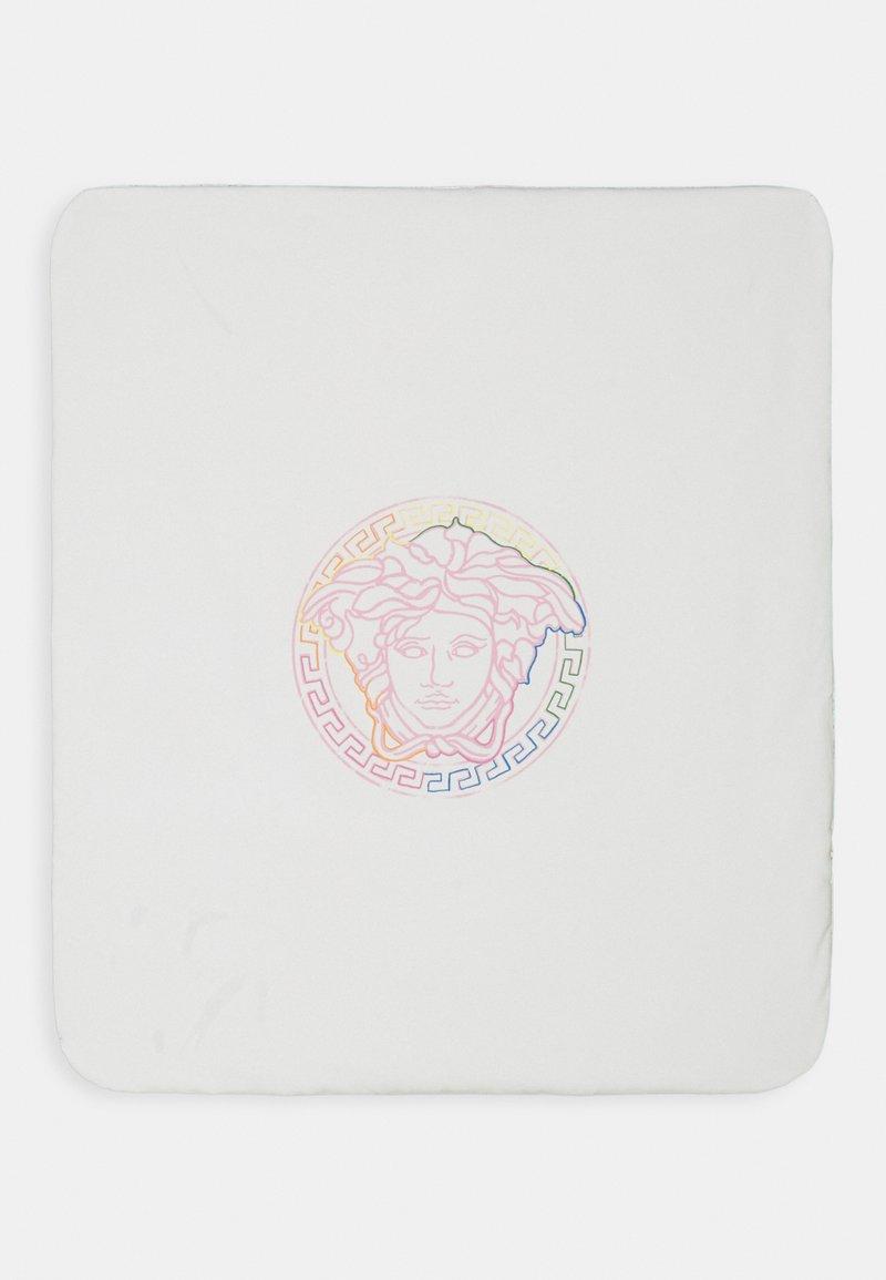 Versace - OUTDOOR BLANKET PLAIN SKETCH BAROQUE ALLOVER UNISEX - Play mat - white/rose