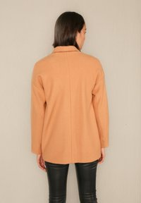 jeeij - Short coat - apricot - 2