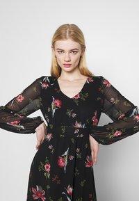 Vero Moda - VMPETRA ANCLE - Denní šaty - black/petra - 3