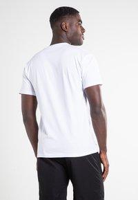Vans - RAINBOW  - Print T-shirt - white - 2