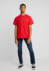 Perry Ellis America - Print T-shirt - haute red - 1