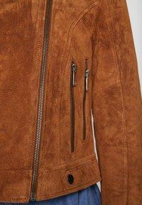 Vero Moda Petite - VMROYCESALON  - Leather jacket - cognac - 5