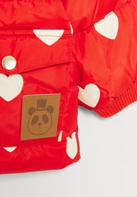 Mini Rodini - BABY HEARTS PICO PUFFER JACKET - Winter jacket - red - 4