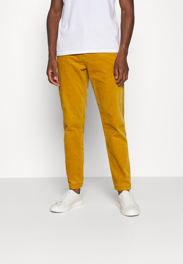 CORD TROUSERS - Bukse - dark yellow