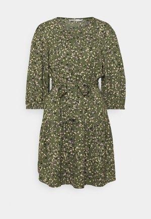 ONLTHORA BELT DRESS - Day dress - clover/blurry
