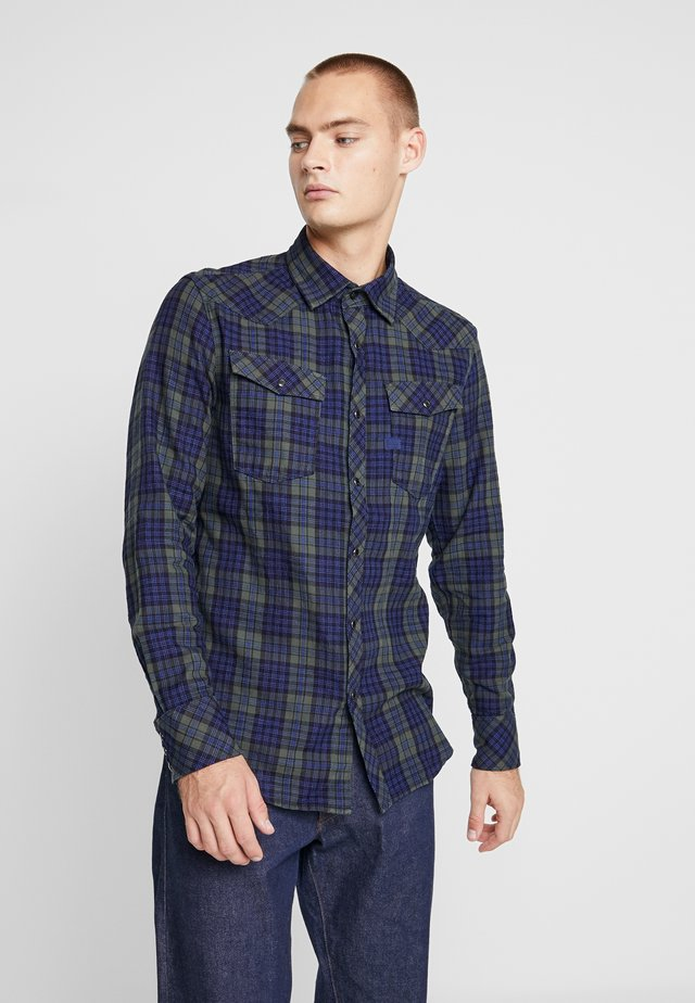 SLIM SHIRT - Shirt - indigo/dark vermont green