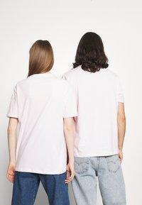 YOURTURN - UNISEX - Basic T-shirt - pink - 2