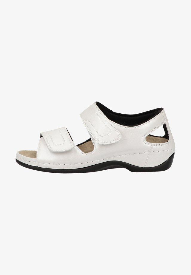 Sandały na koturnie - silberweiß/perlato