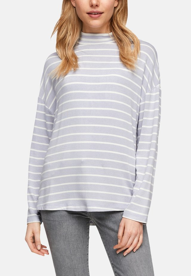Long sleeved top - light lilac stripes
