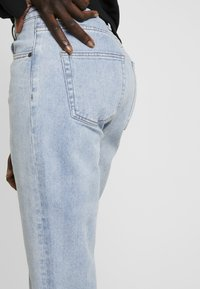 Object Tall - OBJMANDY MOM - Jeans Relaxed Fit - light blue denim - 5