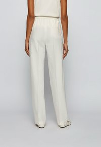 BOSS - Trousers - natural - 2