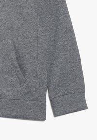 Nike Sportswear - CLUB HOODIE UNISEX - Jersey con capucha - carbon heather - 2