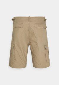 Carhartt WIP - AVIATION COLUMBIA - Shorts - sand - 6