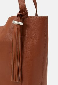Zign - LEATHER - Tote bag - cognac - 3