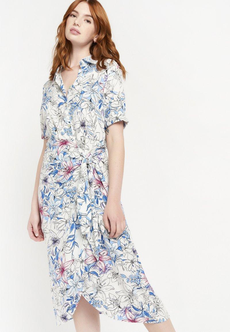 LolaLiza - FLORAL - Shirt dress - blue