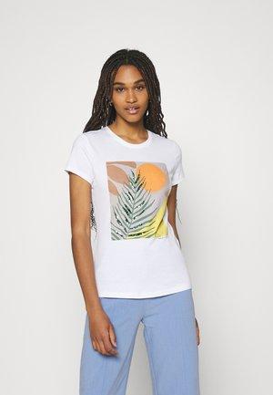 ONLMAYA LIFE FIT BOX - Print T-shirt - bright white