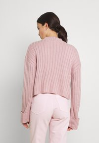 Nly by Nelly - CROPPED TURTLE NECK - Jumper - lilac - 2