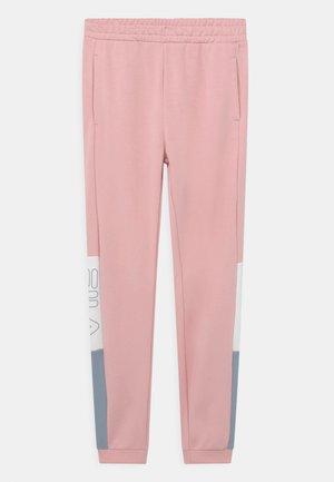 SAMANTHA BLOCKED - Pantaloni sportivi - coral blush/blue fog/bright white