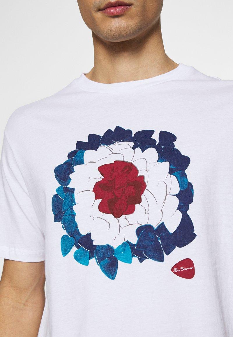 Ben Sherman PLECTRUM TARGET TEE   T Shirt print   white/weiß ...