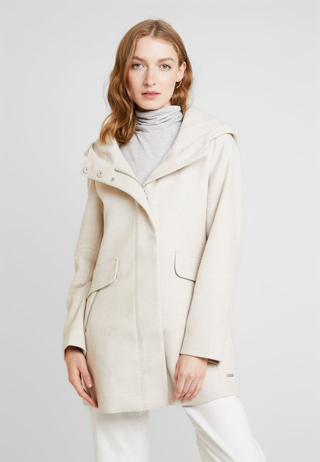 WINTERLY COAT - Classic coat - beige/white