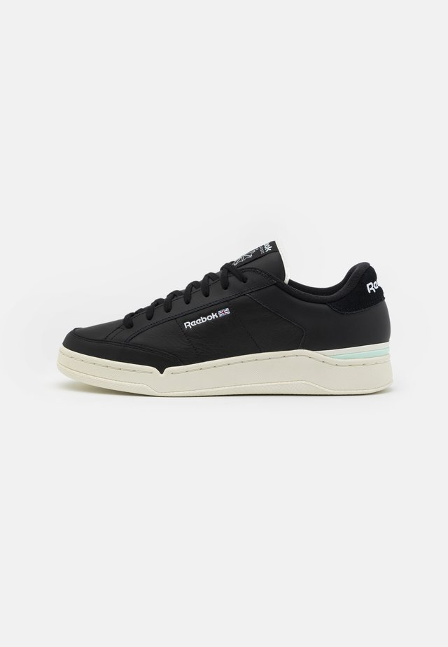 AD COURT UNISEX - Sneakers laag - core black/aqua dust/footwear white