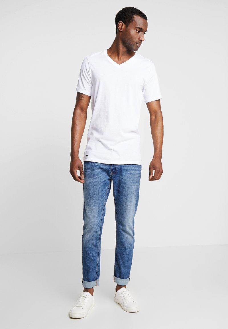Lacoste - 3 PACK SLIM FIT TEE  - Undershirt - black/mottled grey/white