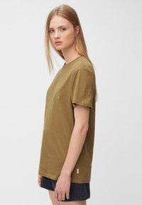 Marc O'Polo DENIM - Print T-shirt - brown ochre - 3