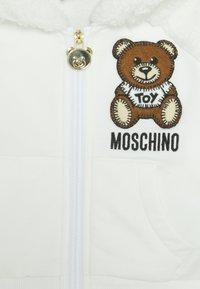 MOSCHINO - HOODED - Zip-up hoodie - cloud - 2