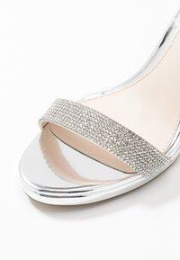 Buffalo - MONROE - Sandály na vysokém podpatku - silver - 2