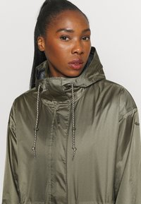 Columbia - SPLASH SIDE™ JACKET - Hardshell jacket - stone green - 3