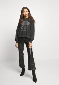 Gina Tricot - ERIN - Sweatshirt - black - 1