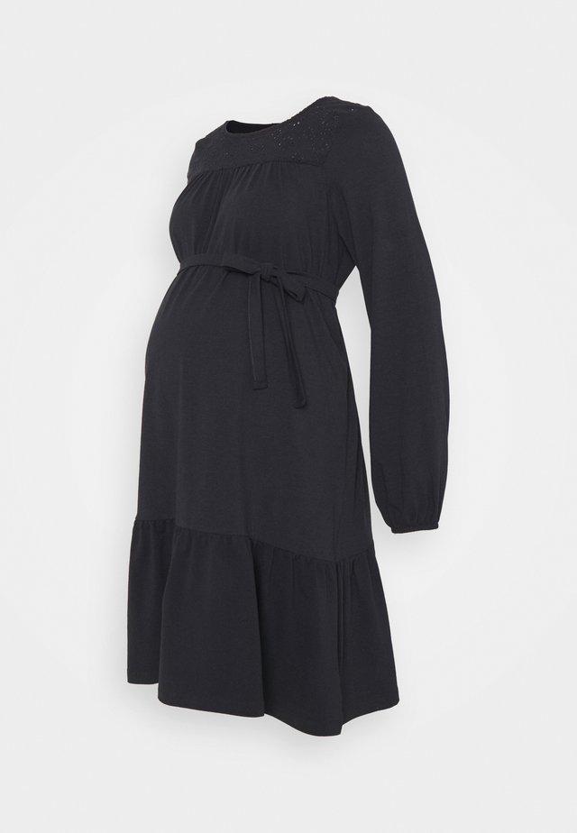 MLNESSA DRESS - Žerzejové šaty - dark navy